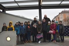 E-Jugend: Einlaufkinder bei den Füchsen Berlin